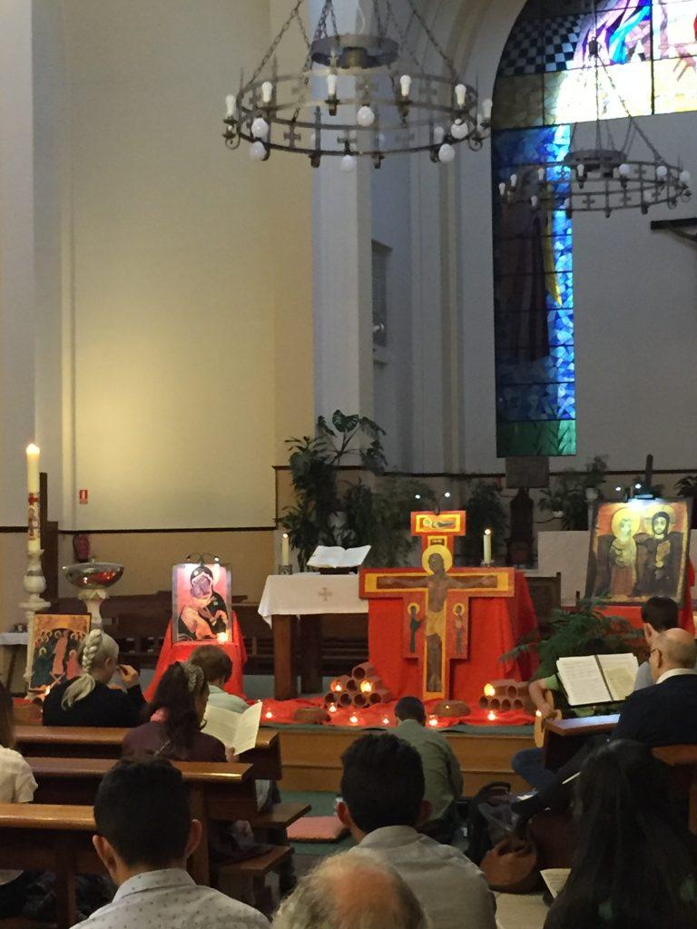 Oración de Taizé en la parroquia